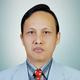 dr. Deka Viotra Kamaruddin, Sp.PD-KGH merupakan dokter spesialis penyakit dalam konsultan ginjal hipertensi di RS Hermina Padang di Padang