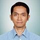 dr. Dicky Levenus Tahapary, Sp.PD, Ph.D merupakan dokter spesialis penyakit dalam di Siloam Hospitals Lippo Village di Tangerang