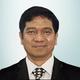 Dr. dr. Hasyim Kasim, Sp.PD-KGH merupakan dokter spesialis penyakit dalam konsultan ginjal hipertensi di RS Universitas Hasanuddin di Makassar