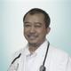 dr. H. Iswahyudi merupakan dokter umum di RS Mulya di Tangerang