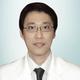 dr. Hans Kusuma Muliadi, Sp.PD merupakan dokter spesialis penyakit dalam di Siloam Hospitals Lippo Village di Tangerang