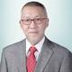 dr. Henry Suhendra, Sp.OT merupakan dokter spesialis bedah ortopedi di Siloam Hospitals Kebon Jeruk di Jakarta Barat