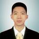 dr. Henry Tanzil, Sp.OT merupakan dokter spesialis bedah ortopedi di Siloam Hospitals Makassar di Makassar