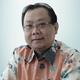 Dr. dr. Ismail, Sp.OT(K) merupakan dokter spesialis bedah ortopedi konsultan di RS Premier Jatinegara di Jakarta Timur