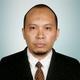 dr. Jainal Arifin, Sp.OT(K)Spine, M.Kes merupakan dokter spesialis bedah ortopedi konsultan di Siloam Hospitals Makassar di Makassar