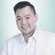 dr. Jimmi Chandra, Sp.KK merupakan dokter spesialis penyakit kulit dan kelamin di Bamed Skin Care Darmawangsa di Jakarta Selatan