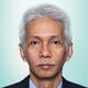 dr. Jull Kurniarobbi, Sp.KO merupakan dokter spesialis kedokteran olahraga di RS Olahraga Nasional di Jakarta Timur