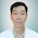 dr. Kwok Ah Phak merupakan dokter umum di Klinik Taman Anggrek di Jakarta Barat
