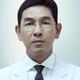 dr. Manfaluthy Hakim, Sp.S merupakan dokter spesialis saraf di RS Medistra di Jakarta Selatan