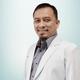 dr. Mensyuknil Hasra, Sp.OT merupakan dokter spesialis bedah ortopedi di RS Hermina Padang di Padang