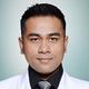 dr. Moch. Roni Darojat Kartapraja, Sp.An-KIC merupakan dokter spesialis anestesi konsultan intensive care di Siloam Hospitals Purwakarta di Tasikmalaya