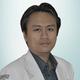 dr. Mulawan Umar, Sp.B(K)Onk merupakan dokter spesialis bedah konsultan onkologi di Siloam Hospitals Palembang di Palembang