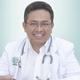 dr. Munadi, Sp.PD-KKV merupakan dokter spesialis penyakit dalam konsultan kardiovaskular di RS Jantung Jakarta di Jakarta Timur