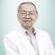 dr. Paulus Embran, Sp.P merupakan dokter spesialis paru di RS Husada di Jakarta Pusat