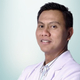 dr.  Richard, Sp.B, M.Kes, FINACS, FICS merupakan dokter spesialis bedah umum di RS Pondok Indah - Bintaro Jaya di Tangerang Selatan