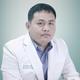 dr. Ridwan Kamal, Sp.BS merupakan dokter spesialis bedah saraf di RS YARSI di Jakarta Pusat