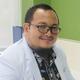 dr. Risky Akaputra, Sp.P merupakan dokter spesialis paru di RS Columbia Asia Pulomas di Jakarta Timur