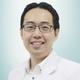 dr. Robert Sinto, Sp.PD(K) merupakan dokter spesialis konsultan penyakit dalam di RS St. Carolus di Jakarta Pusat