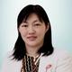 dr. Sayuri Suwandi, Sp.PD, FINASIM merupakan dokter spesialis penyakit dalam di RS Gading Pluit di Jakarta Utara