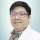 dr. Silvester Christanto, Sp.S merupakan dokter spesialis saraf di RS St. Carolus di Jakarta Pusat
