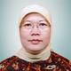 dr. Siti Rohmi, Sp.PD, FINASM merupakan dokter spesialis penyakit dalam di RS Bina Husada di Bogor
