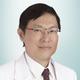 dr. Sutardi Santosa, Sp.KK, FINSDV merupakan dokter spesialis penyakit kulit dan kelamin di RS St. Carolus di Jakarta Pusat