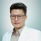 dr. Teguh Senjaya, Sp.OG merupakan dokter spesialis kebidanan dan kandungan di RS Keluarga Kita di Tangerang