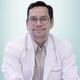 dr. Tribowo Tuahta Ginting Sugihen, Sp.KJ(K) merupakan dokter spesialis kedokteran jiwa konsultan di RS Columbia Asia Pulomas di Jakarta Timur