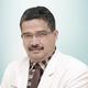 dr. Zul Asdi, Sp.B merupakan dokter spesialis bedah umum di RS Awal Bros Chevron Pekanbaru di Pekanbaru