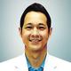 drg. Andy Wirahadikusumah, Sp.Pros merupakan dokter gigi spesialis prostodonsia di Klinik Gigi Royal Smile Dental Art Boutique di Jakarta Selatan
