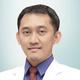 drg. Aries Chandra Trilaksana, Sp.KG merupakan dokter gigi spesialis konservasi gigi