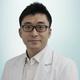 drg. Kim Jae Duk merupakan dokter gigi di Klinik Gigi OK Dental di Jakarta Selatan