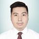 drg. Ray Wenseslaus Moniaga merupakan dokter gigi di RS Hermana Lembean di Minahasa Utara