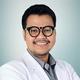 drg. Yuan Anthony merupakan dokter gigi di RSGM Maranatha di Bandung