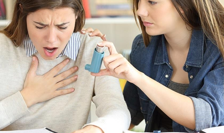 Sesak Nafas Mendadak! Simak Pertolongan Pertama Bagi Penderitanya