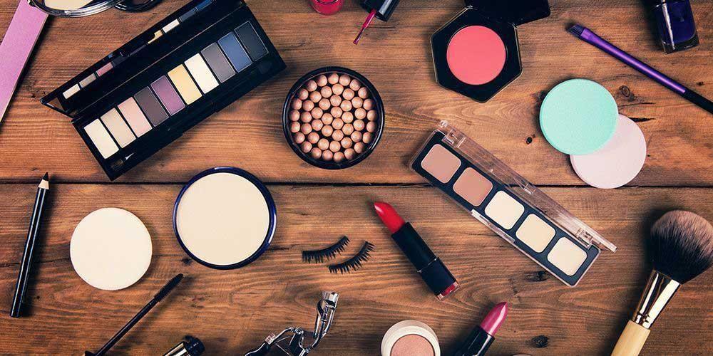 Gunakan kosmetik dengan kandungan dan proses produksi yang aman