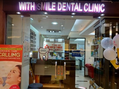 Klinik Gigi With Smile - Plaza Blok M