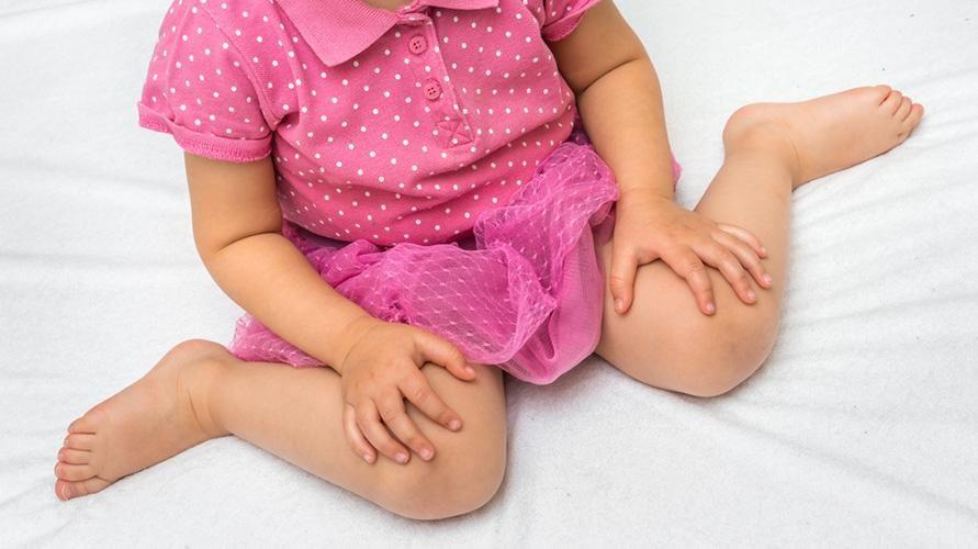 Posisi duduk W dapat melemahkan perkembangan tubuh bagian bawah anak
