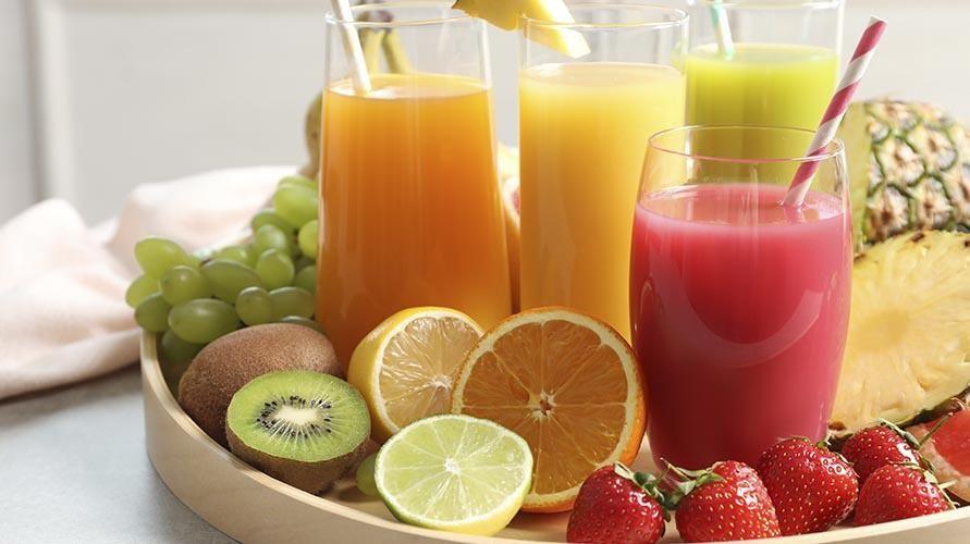 Jus dan smoothies paling sering terbuat dari buah-buahan