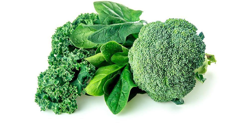 Kale dan bayam merupakan sayuran penurun darah tinggi yang cocok dikonsumsi penderita hipertensi
