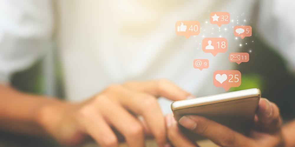 Gila likes adalah salah satu dampak negatif media sosial