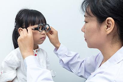 Rabun dekat pada anak perlu pengecekan oleh dokter mata