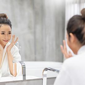 Produk pencuci muka untuk kulit berminyak haruslah bebas minyak, nonkomedogenik, dan bersifat lembut di kulit
